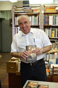 Александр Анатольевич презентует новую книгу